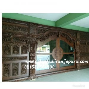 Gebyok masjid panjang 7 meter