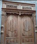 Pintu utama ukir khot kaligrafi